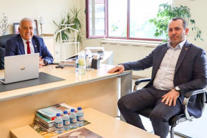 Yalova Belediye Baskan Vekili Mustafa Tutuk, Yalova Ticaret ve Sanayi Odası (YTSO) Başkanı Tahsin Becan'ı ziyaret etti.