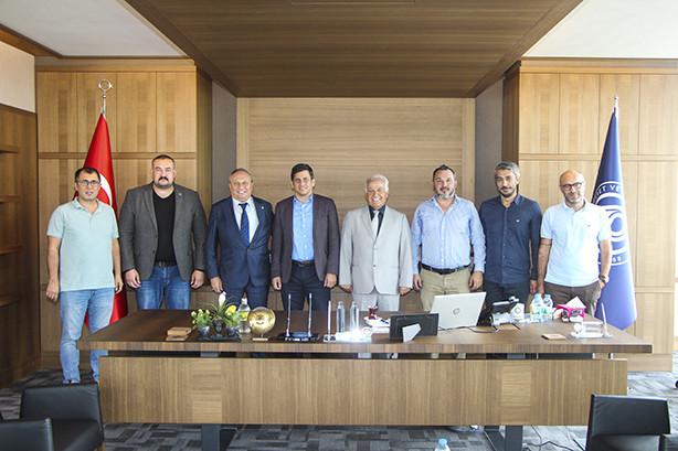 Yalovaspor Futbol Kulübü Başkanı Onay Tuna ve Yönetim Kurulu Üyeleri odamızı ziyaret etti