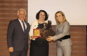 YTSO koordinatörlüğünde çalışmalarını sürdüren  Yalova Kadın Girişimci Kurulu'nda  devir-teslim heyecanı yaşandı.