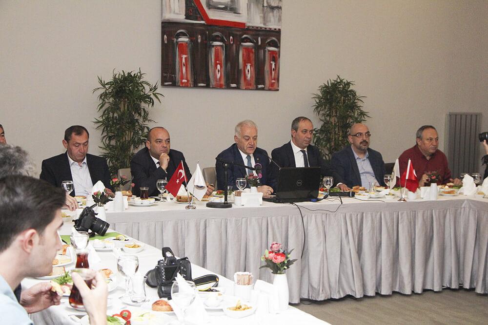 10 Ocak Çalışan Gazeteciler Günü dolayısıyla yerel basın çalışanları ile kahvaltılı sohbet toplantısında bir araya geldik