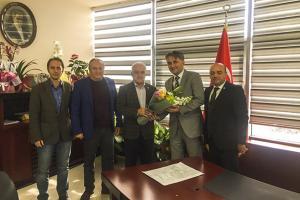 Yalova Ticaret ve Sanayi Odası (YTSO) Başkanı Tahsin Becan ve yönetim kurulu üyeleri Yalova İl Sağlık Müdürü Hakan Sezen'i ziyaret ettiler.