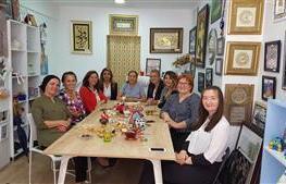 YTSO Kadin Girisimciler Kurulu Kuartz Mimarlik sahibi Aysenur Peltek in ofisini ziyaret ettiler.